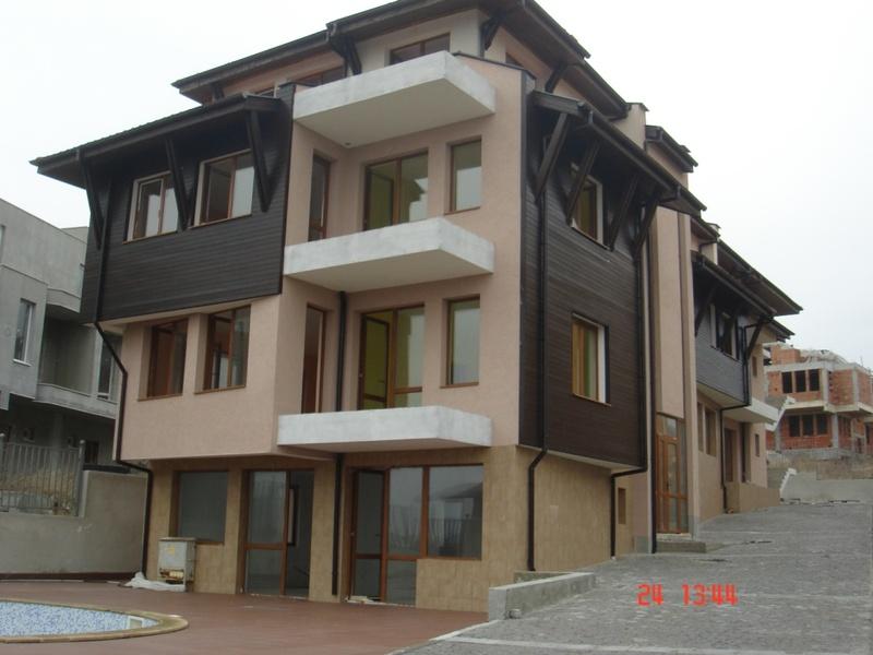 Жилищна сграда в гр. Созопол, м. Буджака. Завършена през 2013г.
